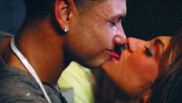 Pauly D, Deena Make Out