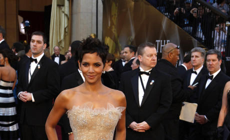 Which Oscar winner looked better at the 2011 Academy Awards?
