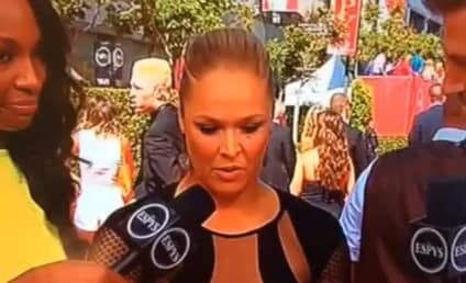 Ronda Rousey, Floyd Mayweather Feud Heats Up as Money Man Throws Weak Jab