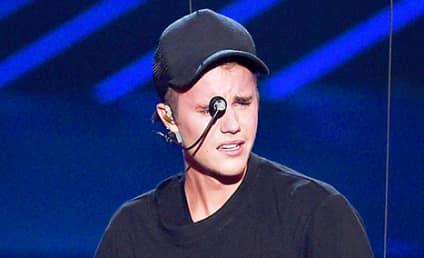 Justin Bieber Suffers Total (Fake?) Breakdown at VMAs