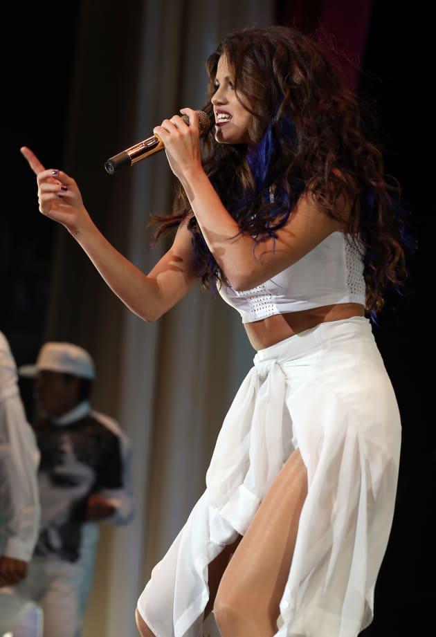 Selena Gomez Live Photo