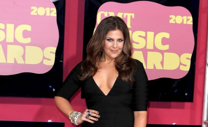 CMT Award Fashion Face-Off: Hillary Scott vs. Miranda Lambert