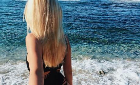 Ava Sambora From Behind
