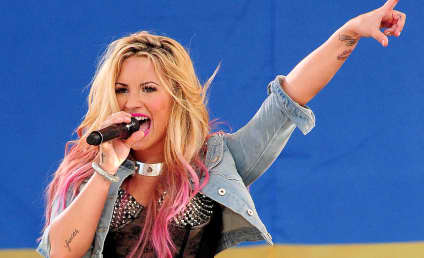 Demi Lovato to Host Teen Choice Awards