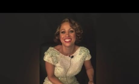 Stacey Dash Reads Mean Tweets About Herself