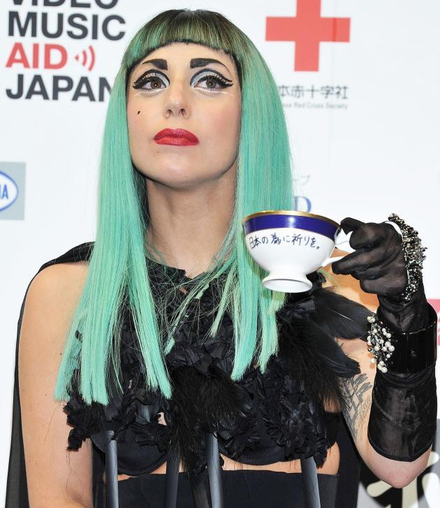 Gaga to a Tea