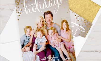 Tori Spelling Christmas Card Features Smiling Dean McDermott, Big Happy Family!