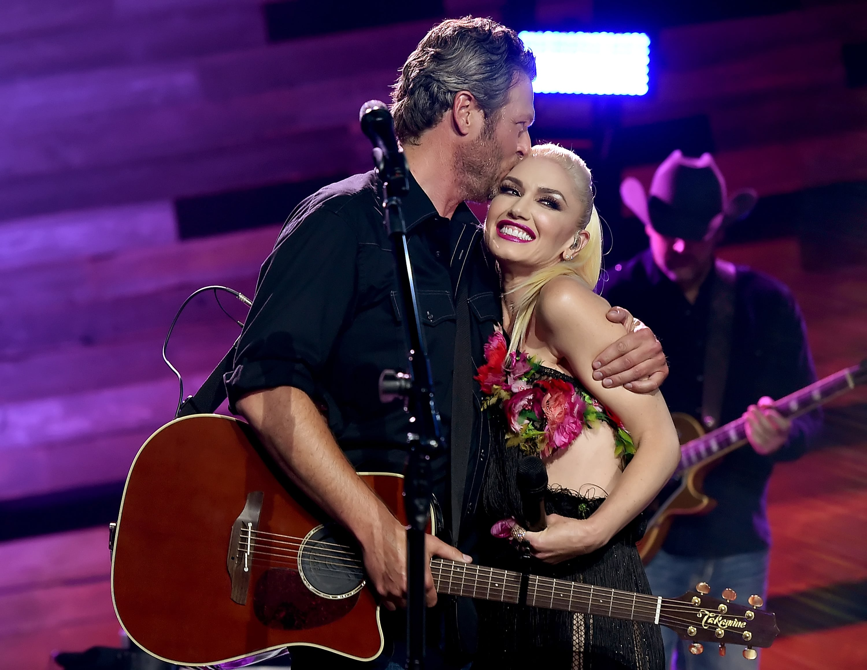 Blake Shelton And Gwen Stefani: Announcing Engagement On The Voice!  The  Hollywood Gossip