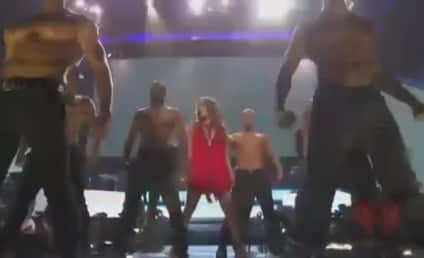 "Jennifer Lopez Live: Singer Performs ""Papi"" at iHeartRadio Music Festival"