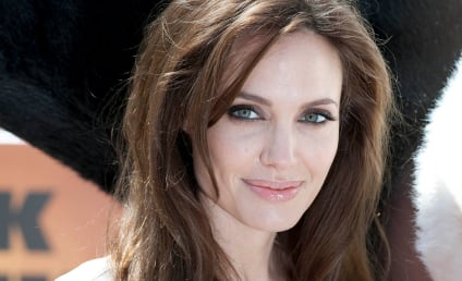 Angelina Jolie, Maddox Visit Refugees