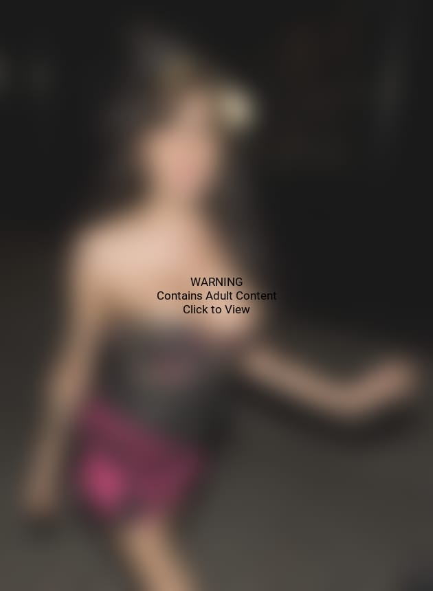 Amy Winehouse, Fake Boobs
