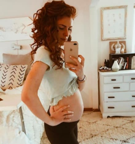 Audrey roloff check out my baby bump the hollywood gossip for What does audrey roloff do for a living