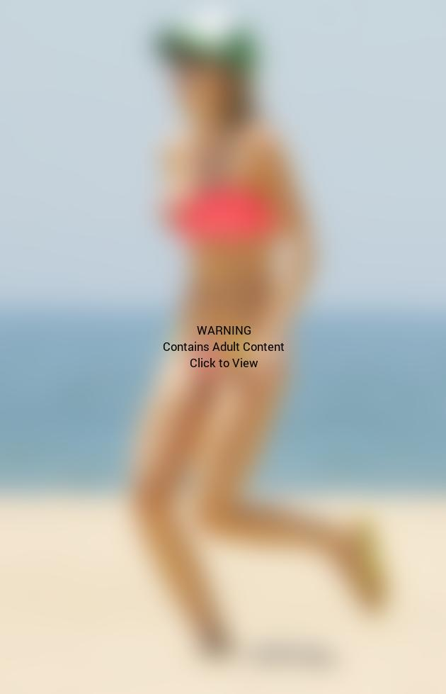 AnnaLynne Bikini Photo