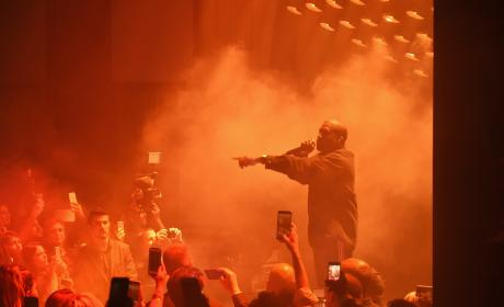 """Kanye West Stops Concert Due to """"Family Emergency"""""""