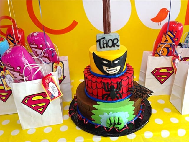 Bronx Wentz Like Nearly All 4 Year Old Boys Loves Superheroes This Amazing Cake Was The Centerpiece At His Party