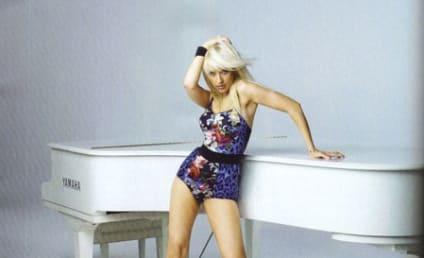 Celebrity Cleavage Alert: Christina Aguilera