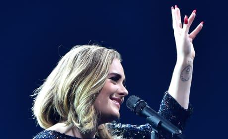 Adele Thanks Fans