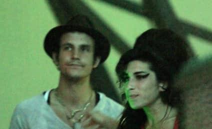 Amy Winehouse Bleeds For Blake Fielder-Civil