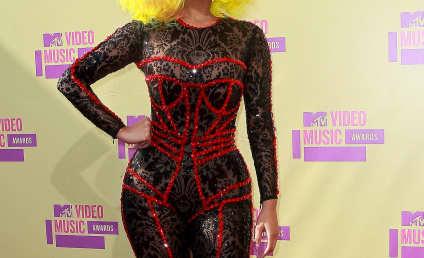 VMA Fashion Face-Off: Nicki Minaj vs. Ke$ha