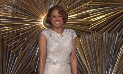 Chrissy Teigen Throws MAJOR Shade at Stacey Dash's Oscar Appearance