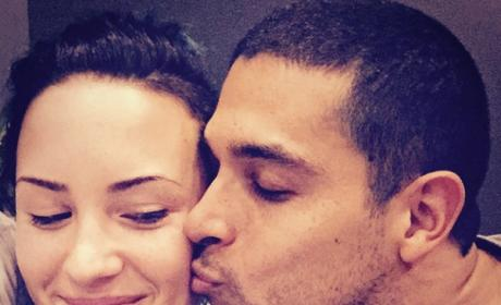 A Kiss Between Demi Lovato and Wilmer Valderrama