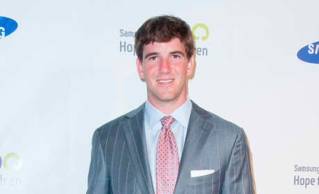 Eli Manning or Tom Brady: Who would you rather ...