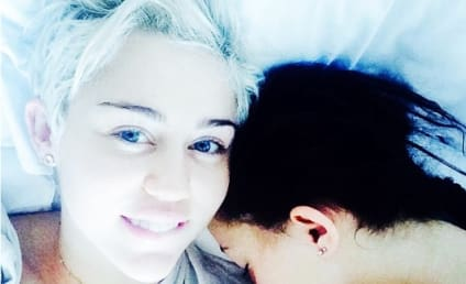 Miley Cyrus Posts No Makeup Selfie, Shares Bed With Her Sister Noah