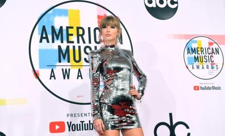 Taylor Swift at 2018 AMAs
