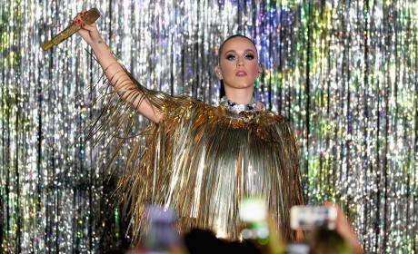 Katy Perry Gold Outfit amfAR Gala 2016