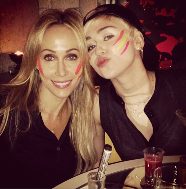 Miley Cyrus and Tish Cyrus in Facepaint
