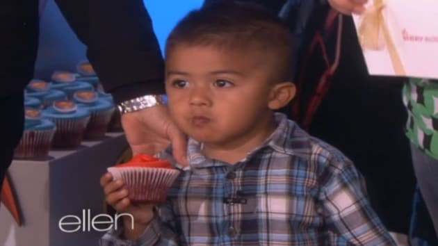 Adorable Cupcake Kid Appears on Ellen, Gets Some Cupcakes ...