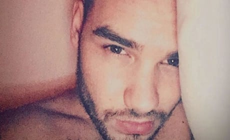 Liam Payne bed face