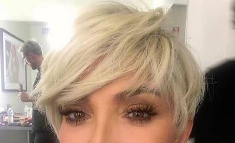 Kris Jenner, Blonde Selfie