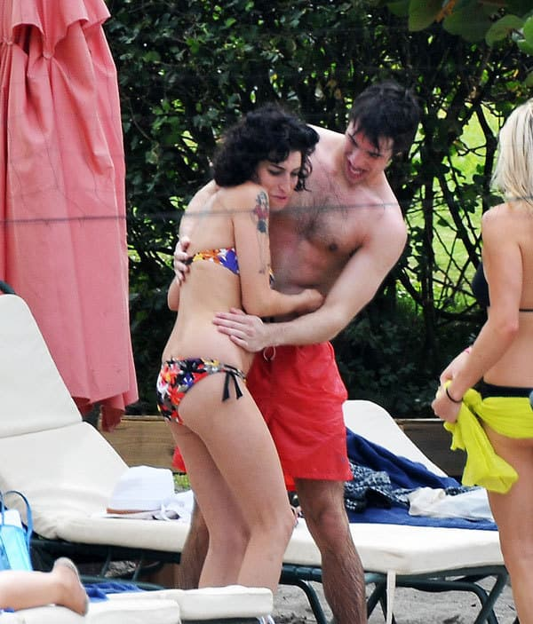 Manhandling Amy Winehouse