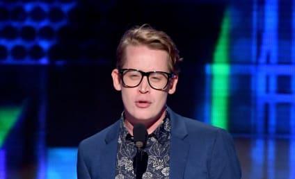 Macaulay Culkin Presents at AMAs, Prompts Tweets of Shock and Joy