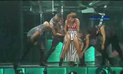 Rihanna Performs on CBS' Grammy Nomination Special