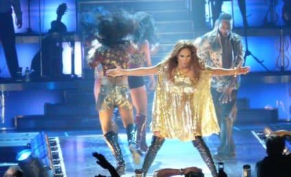 Jennifer Lopez Takes Tearful Trip Down Memory Lane on Stage