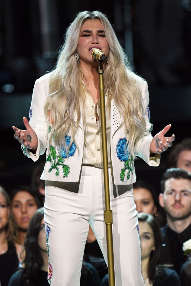 Kesha Performs, 2018 Grammy's