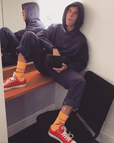 Justin Bieber Just Hangs