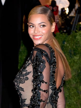 Beyonce Red Carpet Picture