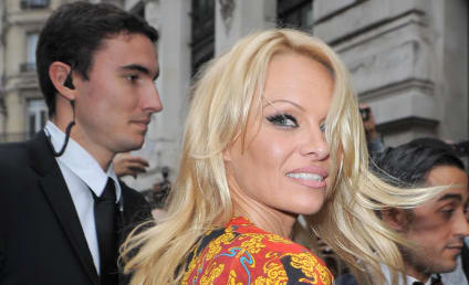 Pamela Anderson to Run New York City Marathon, Raise Money for Haiti