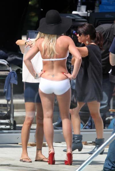 Britney Spears: Reverse Angle