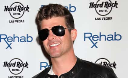 """Robin Thicke Admits to Alcohol and Pain Pill Addictions, Claims He Didn't Write """"Blurred Lines"""" in Bizarre Deposition"""