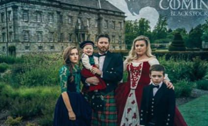 Kelly Clarkson Channels Game of Thrones for Epic Christmas Card