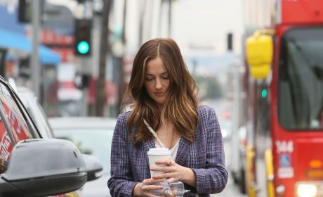 Minka Kelly Gets Takeout From Jon & Vinny's