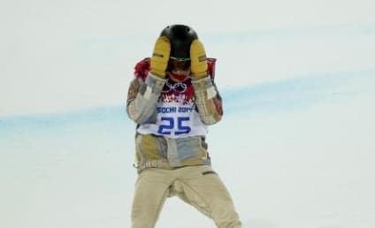 Shaun White Falls in YOLO Attempt, Loses to I-Pod, Finishes Fourth at Olympic Halfpipe