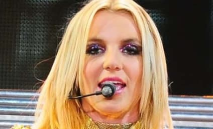 "Britney Spears: ""A Little Bit Scared"" of Simon Cowell"