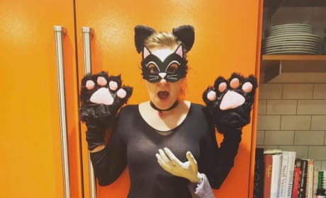 Lena Dunham as a Grabbed Pussy