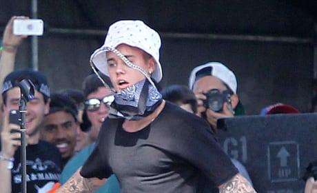 Justin Bieber Dances at Coachella