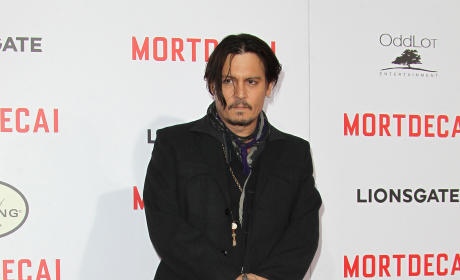 Johnny Depp: Wedding Ring Photo?